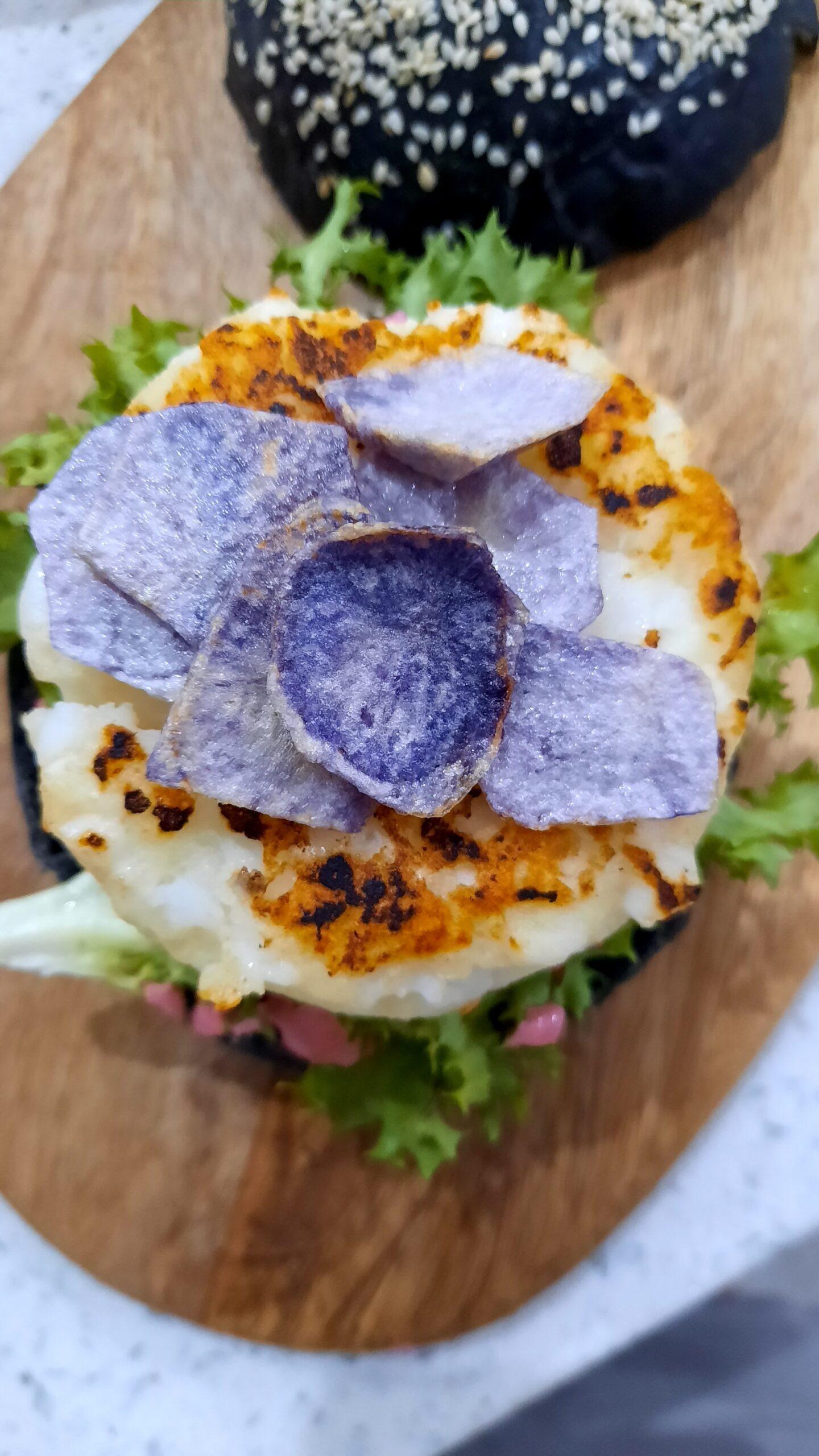 panino al nero di seppia con burger di seppie