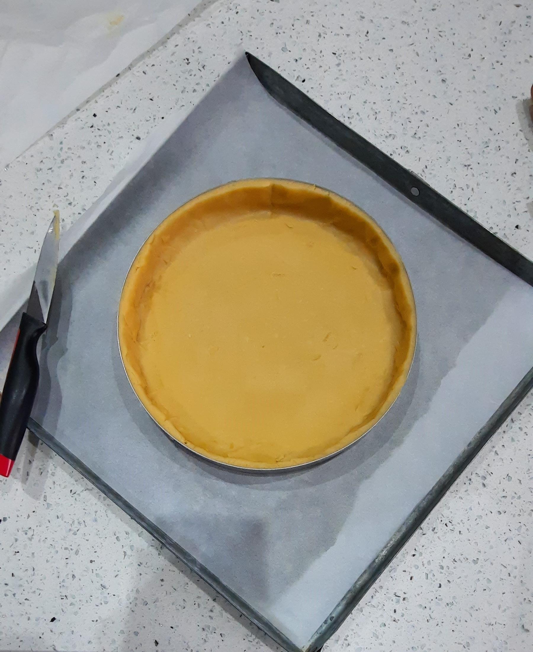 La pastiera napoletana - pasta frolla nello stampo